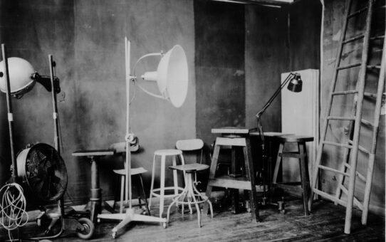 Studio Luce. Paolo Roversi in mostra al MAR