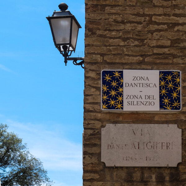 OrienteOccidente. Via Dante Alighieri, Ravenna
